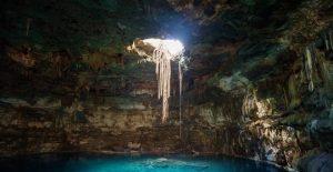 Γκουρμέ δείπνο σε σπήλαιο 18 μέτρα κάτω από τη γη — ΣΚΑΪ (www.skai.gr)
